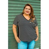 Blusa plus size feminina Listrada com Detalhe Bordado Decência